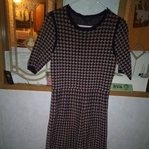 Large Ann Taylor fitted 👗 dress